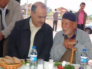Başkan Yıldız, Emeklilerle Kahvaltı Etti