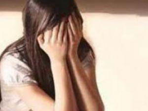 Servis Şöförü Taşıdığı Lise Öğrencisine Tecavüz Etti