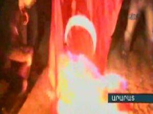 Şerefsizler Türk Bayrağı Yaktı!- Video