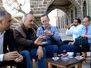 Erzurumlunun Çay Soğutmama Taktiği Video