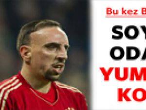 Bayern Münih'te Ribery Robben'i Yumrukladı