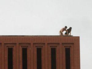 Üniversite Çatısında Seks Skandalı