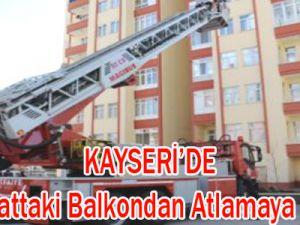 Kayseri'de 8'inci Kattaki Balkondan Atlamaya Kalkıştı