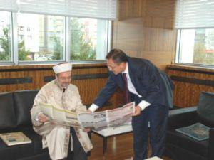 Diyanet İşleri Başkanı Mehmet Görmez Büyükşehir Belediye Başkanı Mehmet Özhaseki'yi ziyaret etti