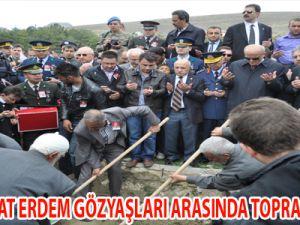 ŞEHİT MURAT ERDEM GÖZYAŞLARI ARASINDA TOPRAĞA VERİLDİ