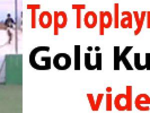 Top Toplayıcı Çocuk Golü Kurtardı / Video