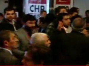 CHP kongresinde küfür ve yumruklar konuştu
