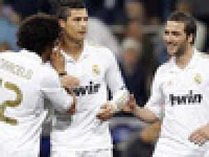 Cristiano Ronaldo Moskova'ya yetti: 4-1 Video