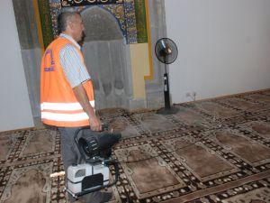 Kayseri'de Camilere Gül Suyu Sıkıldı