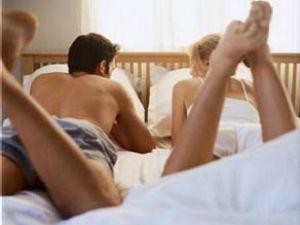 Boşandığı karısının yatağına verici gizledi