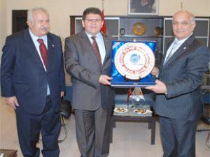 Türk Kızılayı Genel Başkanı Kayso'yu Ziyaret Etti