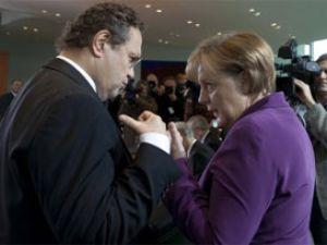 Almanya'yı Korkutan Müslüman Gençler!