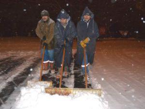 Büyükşehir Belediyesi Karla Mücadele Ekipleri Gece Boyu Çalıştı