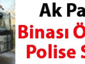 AK Parti binası önünde polise saldırı VİDEO