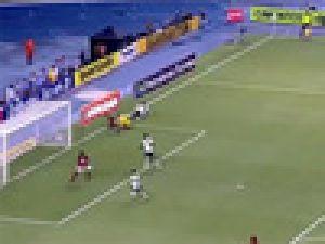 Deivid inanılmaz bir gol kaçırdı! VİDEO