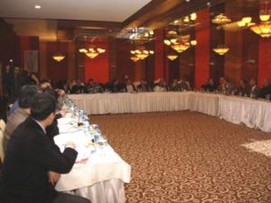 Başkan Karaosmanoğlu Kayseri'de Kocaeli'yi Anlattı