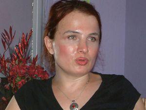 Bursa'da Transeksüel aday hangi partiden?