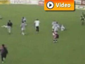 Yıldırım düşen maçta 11 futbolcu öldü video