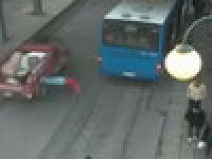 İnanılmaz kaza MOBESE'de - VİDEO
