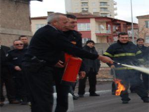 Büyükşehir İtfaiyesi'nden Polis Memurlarına Yangın Eğitimi