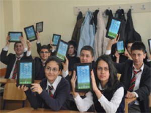 FATİH PROJESİ KAPSAMINDA KAYSERİ'DE 160 TABLET DAĞITILDI
