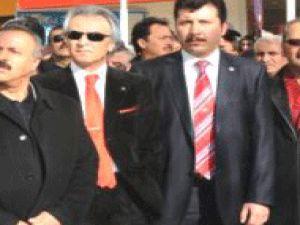 AK Parti Önündeki Protestoya Ak Partili Sendikacı Üye Destek Verdi