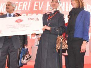 Kayseri'de Hanımlar yemek yarışması ödüllerini aldı
