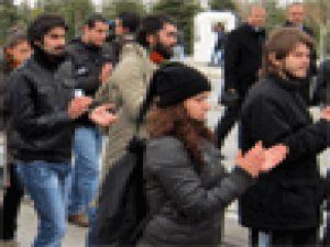 ERÜ öğrencileri yerleşkede güvenliğin artırılması için yürüyüş yaptı