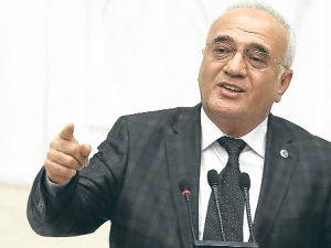 Mustafa Elitaş kısa dönem askerlikle ilgili düzenlemeyi açıkladı