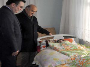 Yatalak hastaya hastane tipi yatak desteği