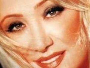 Şarkıcı güllü trafik kazası geçirdi