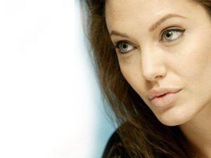 Angelina Jolie''nin Korkusu Ne?