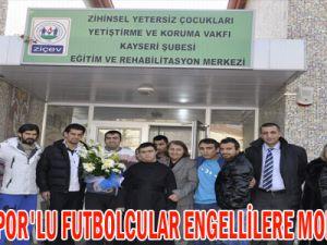 ERCİYESSPOR'LU FUTBOLCULAR ENGELLİLERE MORAL VERDİ