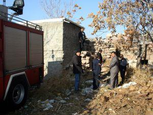Kayseri'de kullanılmayan evde çıkan yangın, esnafı korkuttu