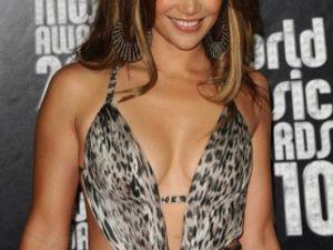 Jennifer Lopez Dansçı Sevgilisiyle Öpüşürken Yakalandı!