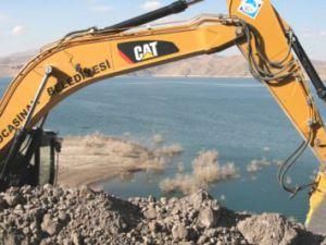 Yamula Ebiç Kemer Emmiler Barajı Sahil Yolu'nda İkinci Etaba Geçildi