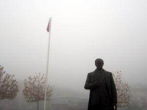 Hacılar'da sis etkili oldu