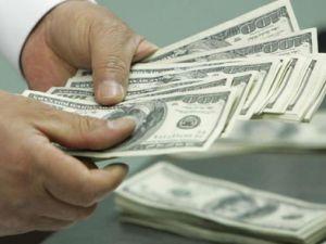Dolar güne 1,8000 liranın üzerinde başladı