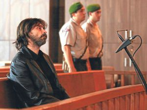 Behzat Ç'nin Başı Belada Hapiste