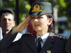 Kadınlar için asker ocağında eğitim
