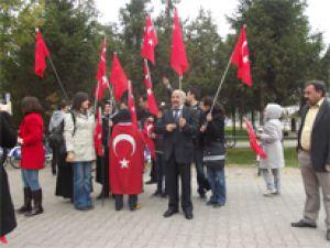 KAYSERİ TÜRK EĞİTİM-SEN 2 NOLU ŞUBEDEN SEMBOLİK CUMHURİYET YÜRÜYÜŞÜ