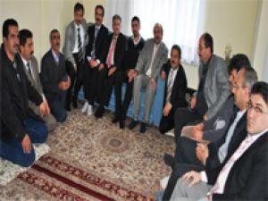 PKK 'nın Kaçırıp Sonra Serbest Bıraktığı Asker Öğretmene Ziyaret.