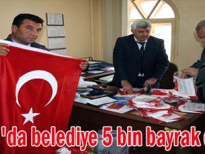 İncesu'da belediye 5 bin bayrak dağıttı