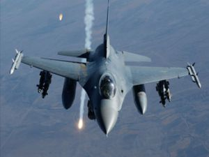 F-16'lar bir ilki başardı