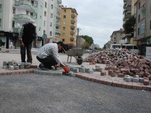 KILIÇASLAN MAHALLESİ'NDE  ışıksız kavşak yapımı devam ediyor
