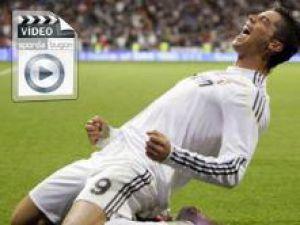 Real Madrid'in Portekizli yıldızı C. Ronaldo malaga ağlarına sahalarda eşine ender rastlanan bir gole imza attı.-VİDEO-