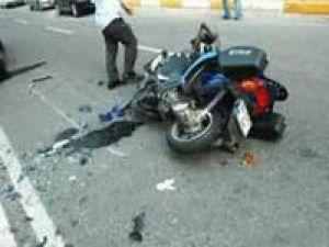 Balıkesir Sındırgı'da Otomobille Motosiklet Çarpıştı: 2 Yaralı
