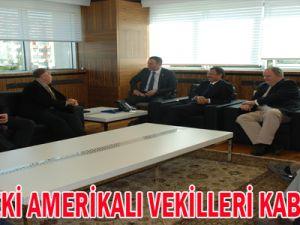 ÖZHASEKİ  AMERİKALI VEKİLLERİ KABUL ETTİ