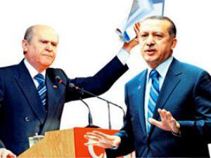 İŞTE SİYASET BU OLUCAK Erdoğan'ı MHP'li, Bahçeli'yi AK Partili karşıladı