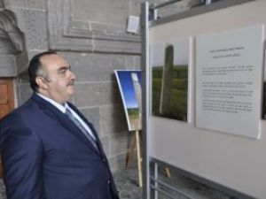 Başkan Eke Orhun Anıtları sergisini ziyaret etti